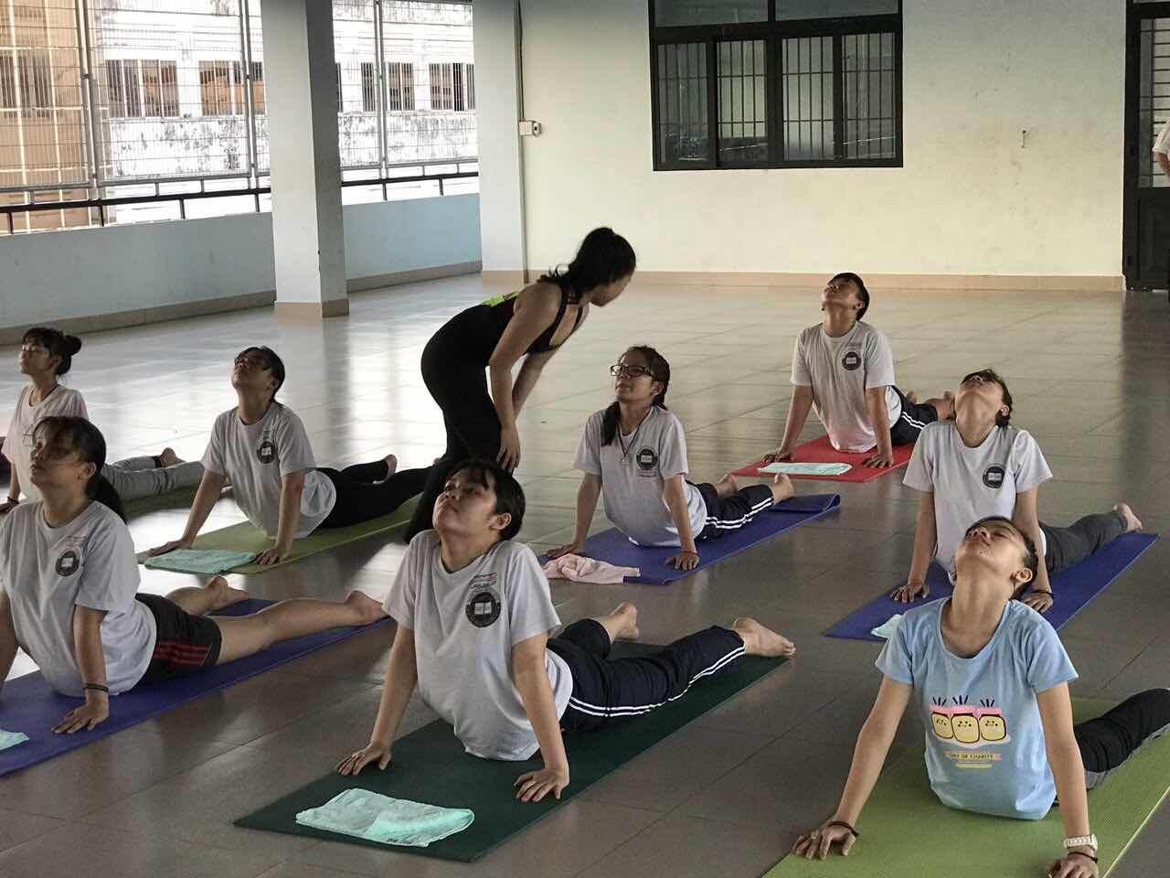 Gio_hoc_yoga_cua_hoc_sinh_noi_tru