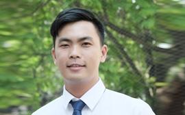 Thầy Lê Quí Tùng - Chủ nhiệm lớp 11C2