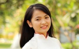 Cô Nguyễn Thị Hồng - Chủ nhiệm lớp 10C2