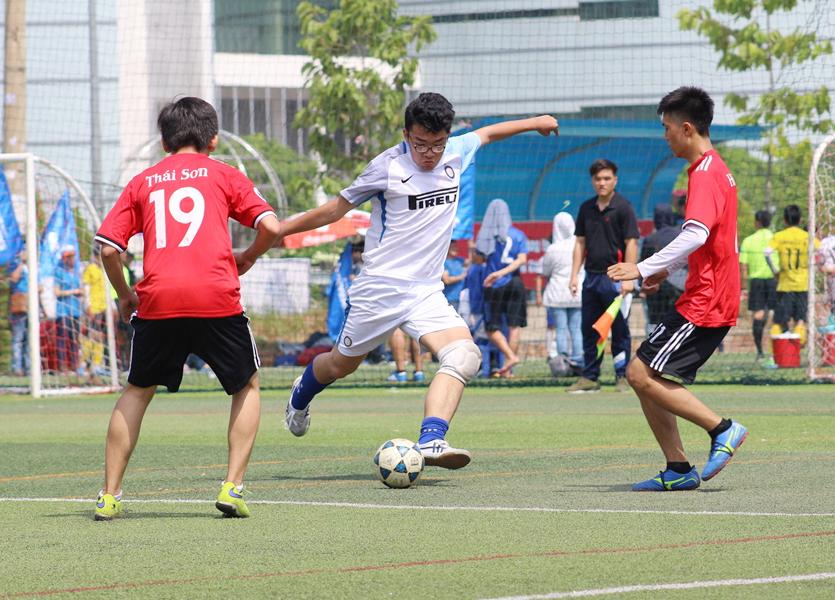 Cúp bóng đá luân lưu QTNH năm học 2017 - 2018
